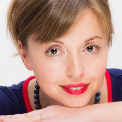 Elena Langer Colour Headshot